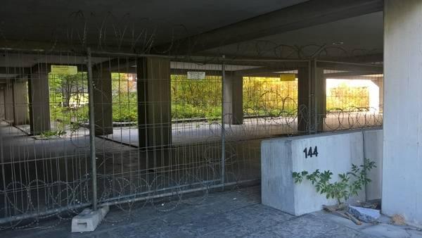 Edificio gubernamental abandonado.