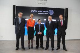 De izquierda a derecha: Adrián García Nevado, director del Territorio Centro de Telefónica España; la fundadora de los premios Caroline Casey; el actor Pablo Pineda; Alberto Andreu, director global de Reputación y Responsabilidad Corporativas de Telefónica y Pedro Richi, socio director de PwC.