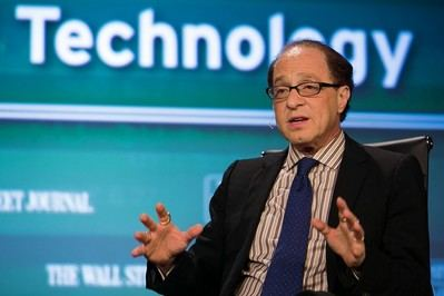 Ray Kurzweil cada vez más cerca de su singularidad