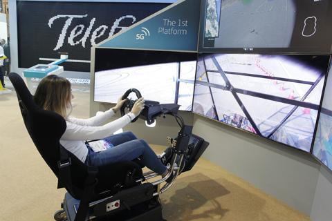 Primera demo mundial de conducción remota 5G