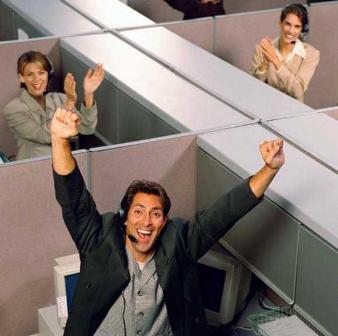 ¿Felicidad en el trabajo? No se preocupe en exceso