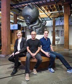De izquierda a derecha, Chris Wanstrath, cofundador y CEO de GitHub; Satya Nadella, CEO de Microsoft; y Nat Friedman, vicepresidente corporativo de Microsoft, que dirigirá GitHub a partir de ahora.