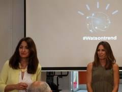 Carmen García (izquieda), directora de IBM Commerce en España, junto a Paula Butragueño, ingeniera y bloguera de InspiraFit.