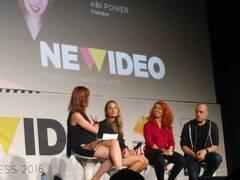 Los youtubers Sylvia Salas (la segunda, empezando por la izquierda), Abi Power y Rush Smith durante el NewVideo Congress.