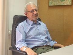 Mario León durante la entrevista con media-tics.com en la redacción de la web.