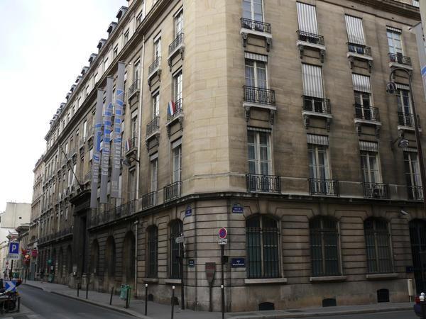 Francia apuesta por enseñar en los colegios cómo luchar contra las noticias falsas