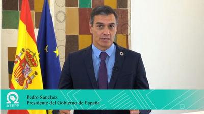 """Pedro Sánchez: """"España necesita unidad y vosotros y vosotras, como periodistas, podéis contribuir a ensamblar al conjunto de la sociedad española'"""