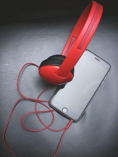 Escuchar en tu móvil será bastante habitual.