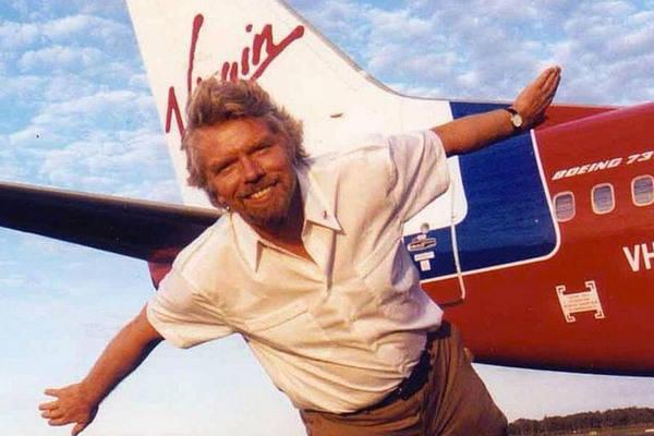 Richard Branson es un ejemplo del éxito por escuchar e integrar a sus equipos en las decisiones importantes del Grupo Virgin