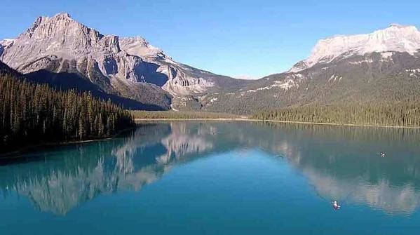El equilibrio interior del líder se expresa en esta imagen de Yoho National Park, British Columbia, Canada.