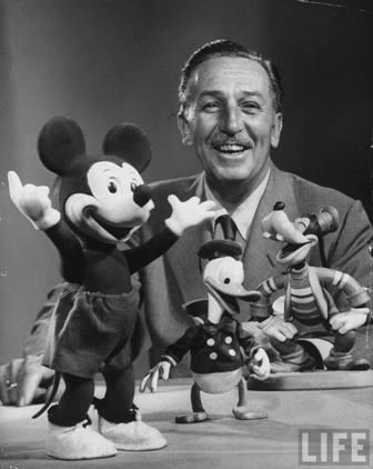 Walt Disney en la portada de la revista LIFE