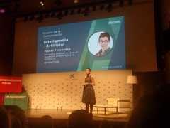 Isabel Fernández, Managing Director & Lead of Advanced Analytics Iberia de Accenture, durante su ponencia en la presentación del Anuario de la Comunicación 2018. / Foto: M.A. Ossorio