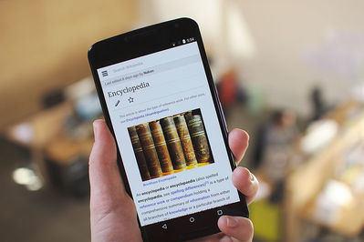 Google enseña a bots a escribir artículos de Wikipedia