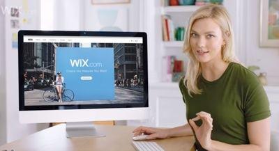 Wix y Karlie Kloss llevan la facilidad para crear una página web a la Super Bowl
