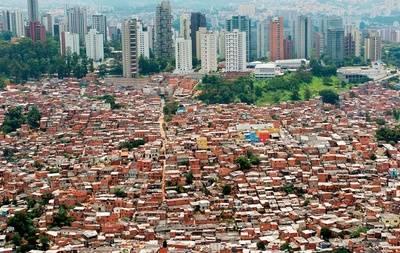 La riqueza viene de fuera en Panamá.