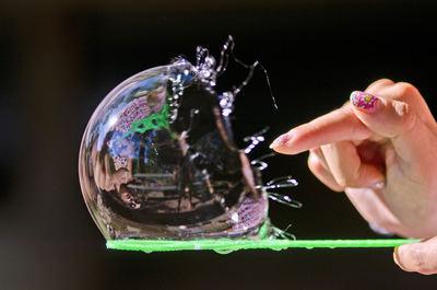 ¿Explotó la burbuja de los digitales puros?