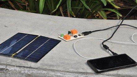 Alumnos del IPN crean un cargador solar para móviles