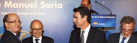 Antonio Brufau, presidente de Repsol; Cristobal Montoro, ministro de Hacienda; José Manuel Soria, ministro de Industria, y Cesar Alierta, presidente de Telefónica