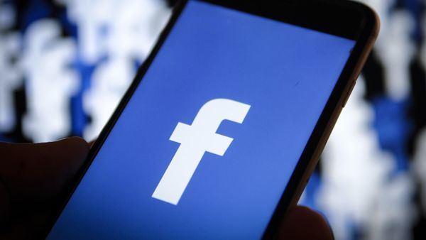 Facebook cumple 15 años entre luces y sombras