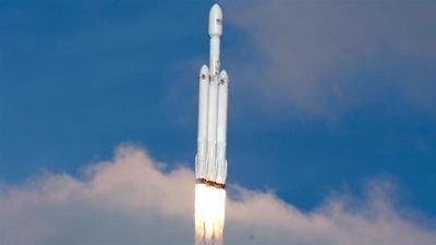 Elon Musk revoluciona la galaxia