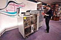 La máquina que revitaliza el libro de papel