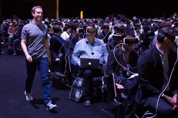 Mark Zuckerberg sigue apostando por conectar al mundo y defiende a Apple frente al FBI