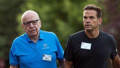 Lachlan Murdoch junto con su padre Rupert